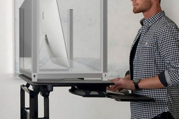 Standing desk screen_Personal Protective Equipment (PPE)